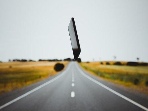 Нарушителей ПДД, которые за рулём держат телефон, выявят детекторы телефонов