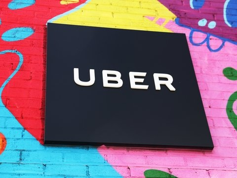 Свершилось: в саудовском Uber женщины-водители смогут брать только пассажирок