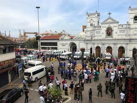 В церквях и отелях Шри-Ланки произошли взрывы (фото)
