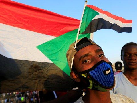 Демонстранты в Судане отказываются от переговоров и хотят протестовать дальше