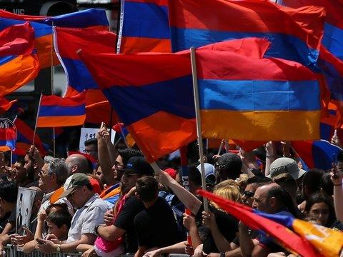 Во Франции новые демонстрации — не протесты, а выражение солидарности с армянами