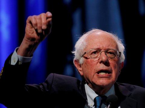 """Кандидат в президенты США предложил раздать кассовые сборы """"Мстителей"""" рабочим"""