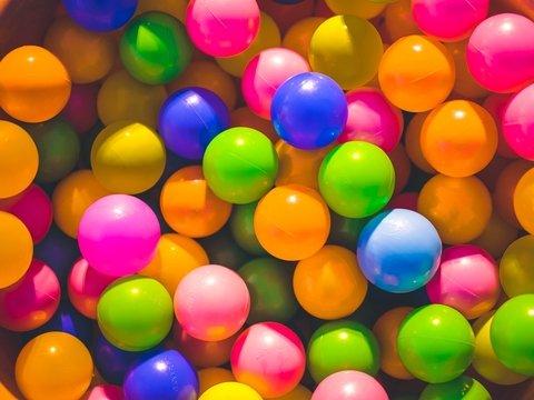 Никакого праздника: шариков не будет, потому что на Земле заканчивается гелий