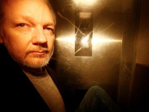 Швеция возобновила расследование дела Ассанжа и запросит его экстрадицию
