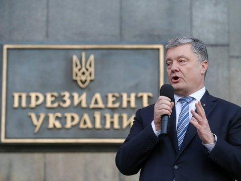 """Порошенко подписал """"закон о мове"""". Рассказываем, что это и как работает"""