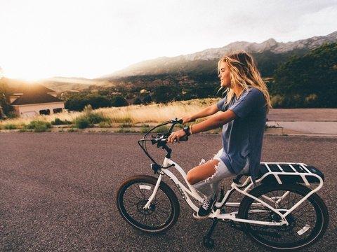 В Иране решили, что женщинам нельзя ездить на велосипеде — это слишком нескромно