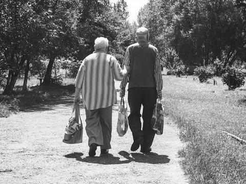 Резкое изменение веса в пожилом возрасте повышает риск развития деменции