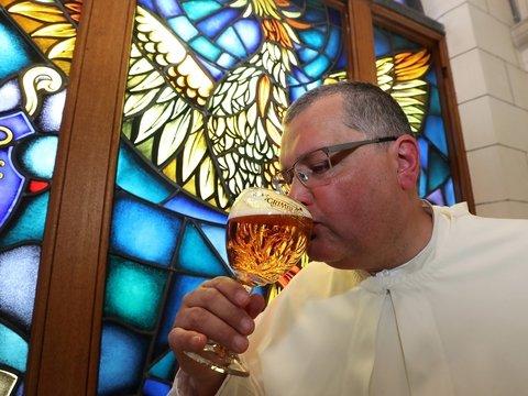 Монахи сварили средневековое пиво: уникальный рецепт 12 века искали 220 лет