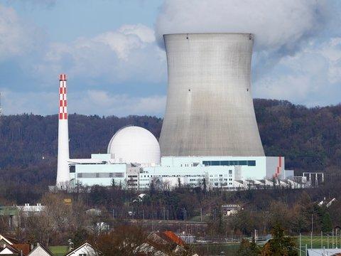 Что делать с отработанным ядерным топливом, чтобы не было проблем, как у США?