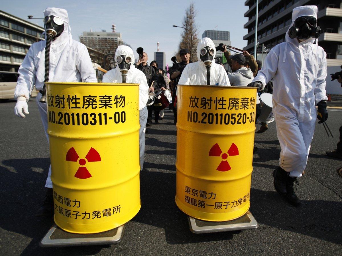 Радиоактивное молоко, трескающийся купол и отходы — подборка текстов о радиации
