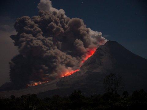 В Италии извергается Этна — посмотрите, как красиво и жутко (фото, видео)