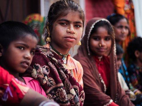 Индийские женщины будут спасаться от насильников в бесплатном метро