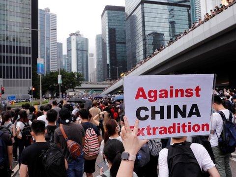 Гонконг протестующий: как до этого дошло и с чего всё началось?