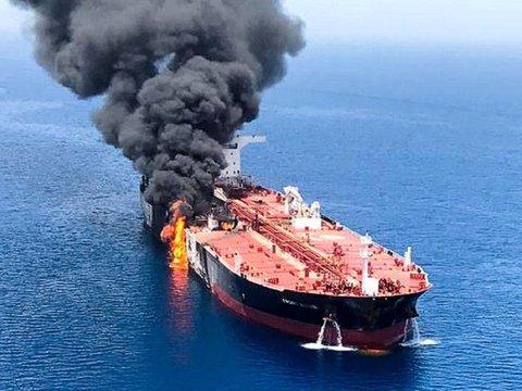 Взрывы танкеров в Оманском заливе: кто кого обвиняет?