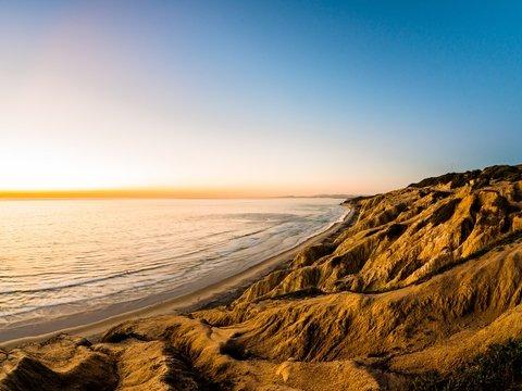 """""""Песчаная мафия"""" и туристы уничтожают пляжи Марокко — песка там всё меньше"""
