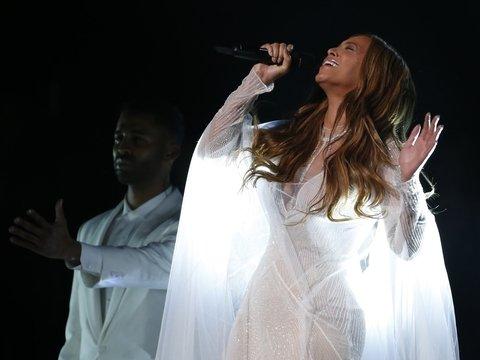 Новая deepfake-технология заставила Григория Распутина исполнить песню Beyonce