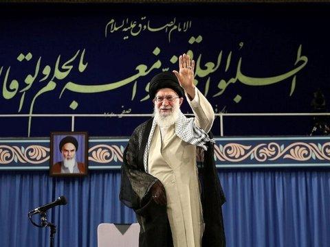 """Трамп ввёл санкции против верховного лидера Ирана и """"закрыл путь дипломатии"""""""