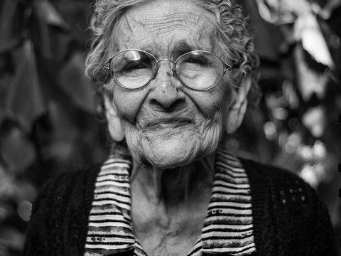 В Британии полицейские арестовали бабулю, исполнив её последнее желание