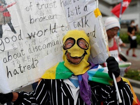 В Осаке проходит саммит G20, но японцы почему-то не рады и протестуют (фото)
