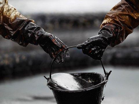 Китайцы создали материал, который соберёт разлитую нефть за несколько секунд