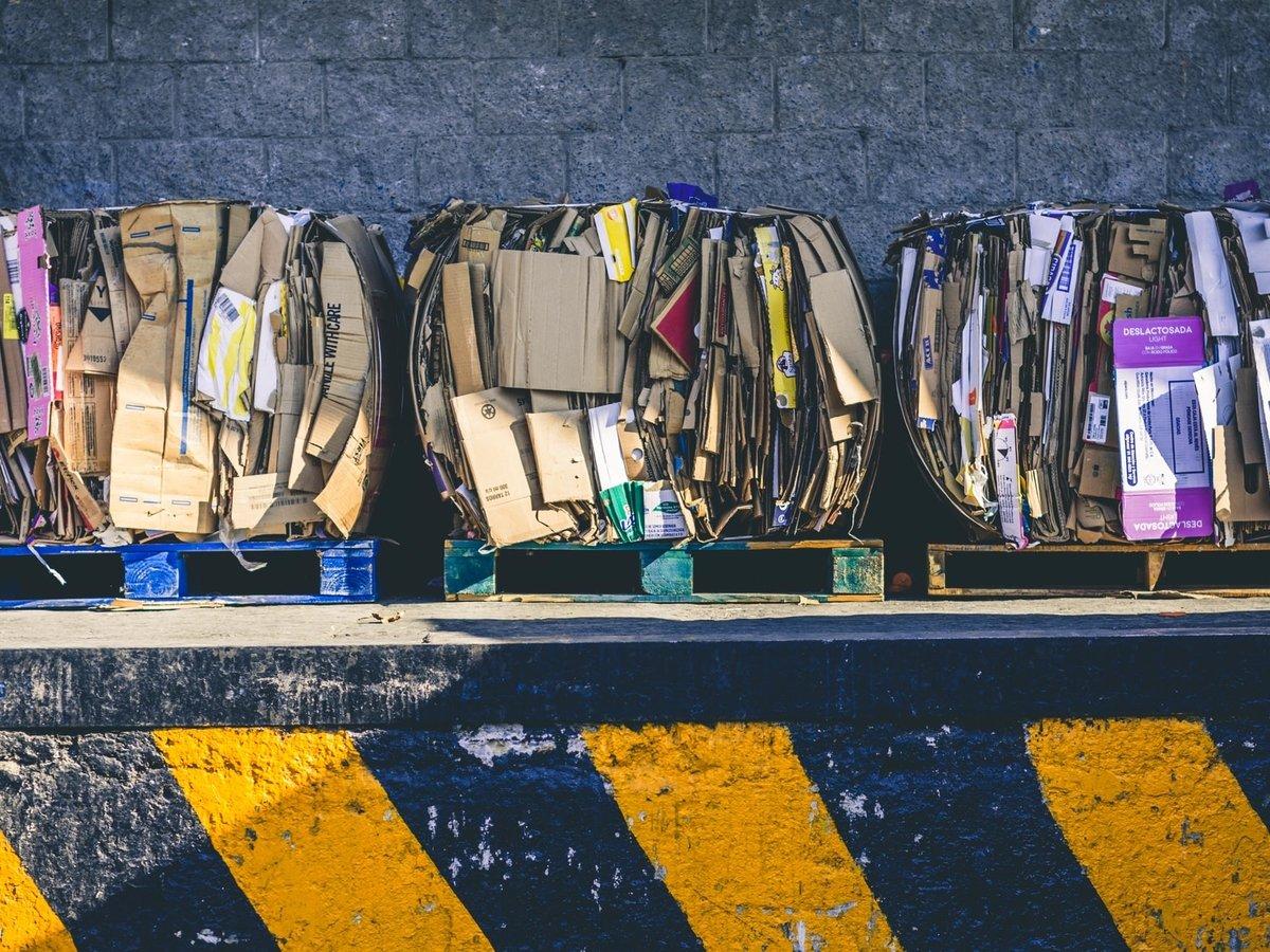 Индонезия избавляется от мусора и высылает ещё больше отходов в США и Европу