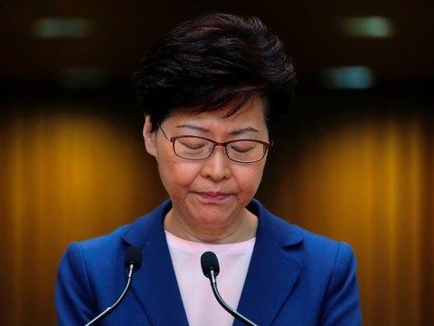 Власти Гонконга отказались от поправок к закону об экстрадиции, но им не верят