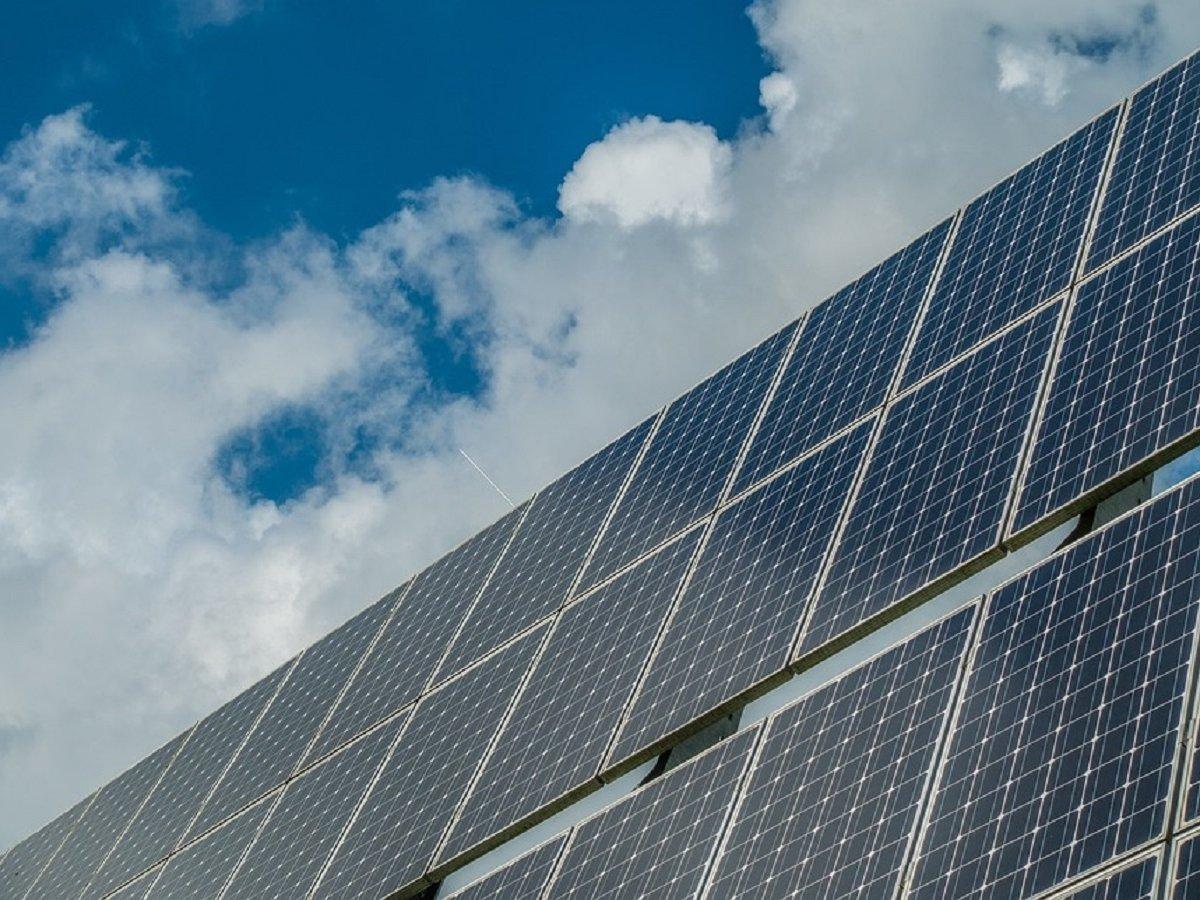И свет в дом, и вода: учёные собрали гибрид солнечной батареи и опреснителя воды
