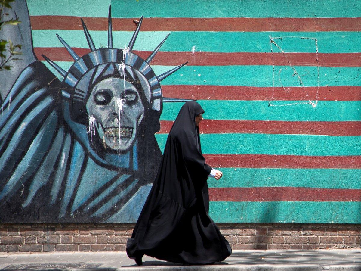 Макрон спешит на помощь: президент Франции пытается спасти сделку США и Ирана