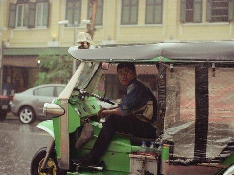 Японцы закрываются в машинах, чтобы отгородиться от мира и наконец отдохнуть