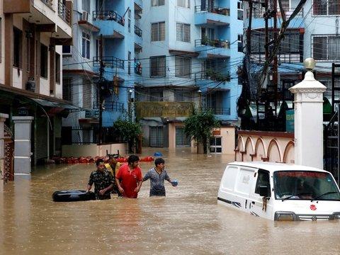 Южную Азию затапливает из-за муссонных дождей (фото и видео)