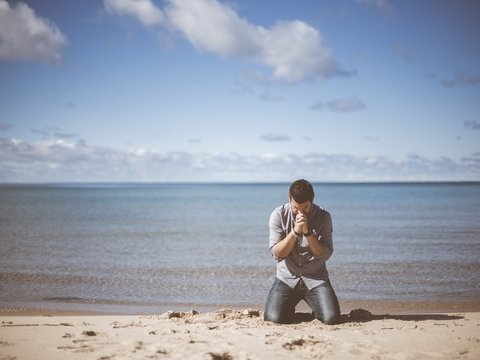 Нужно ли судить за богохульство? В США и ОАЭ решили, что нет