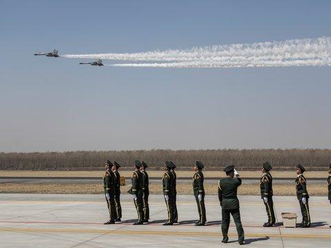 Южная Корея произвела предупредительные выстрелы по самолёту РФ. Что произошло?