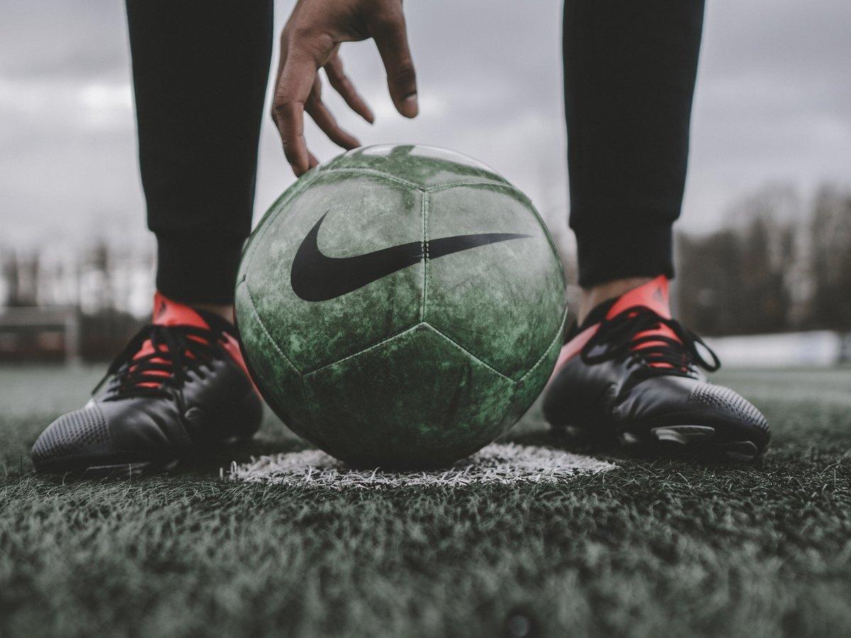 Дайте футболистам отдохнуть: игры, сборы и тренировки вредят здоровью и психике