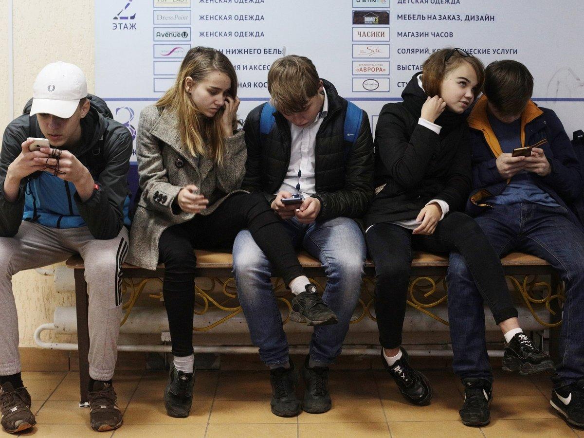Влогеры-подростки: кто они, про что снимают и почему их смотрят?