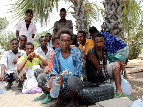 Мигранты бегут из Африки в Йемен. Но они не знают, что там война и голод