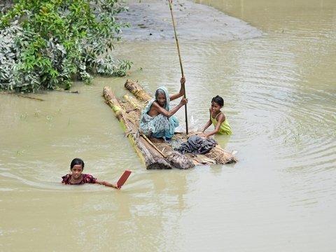 Индию затопило. Погибших всё больше, а ливни не прекратятся ещё минимум 3 дня