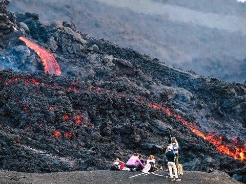 В НАСА готовятся лететь на Марс. Пока что тренируются на лавовых полях Исландии