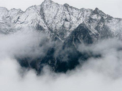 Хотите покорить Эверест? Сначала придётся лезть на гору поменьше