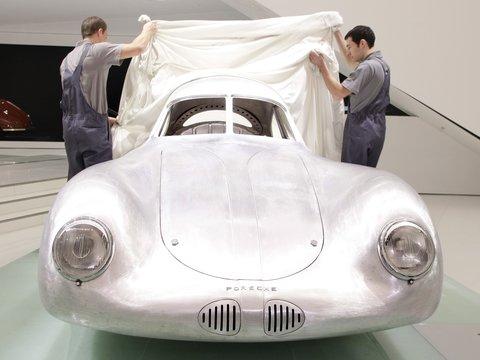 """Вместо 17 млн $ — 70: почему не купили самый старый """"настоящий"""" Porsche"""