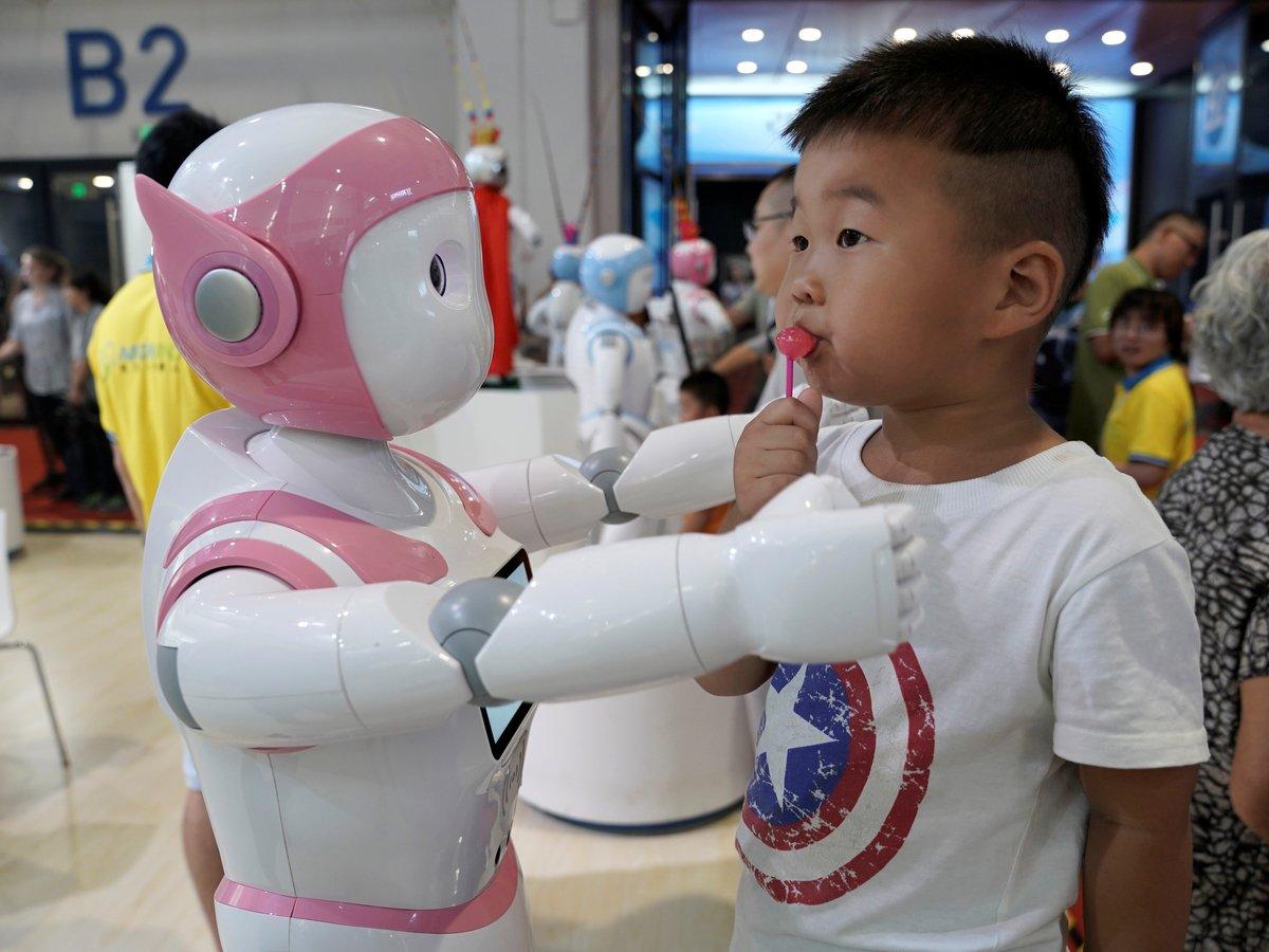 Что показывают на всемирной выставке роботов в 2019? (фото, видео)