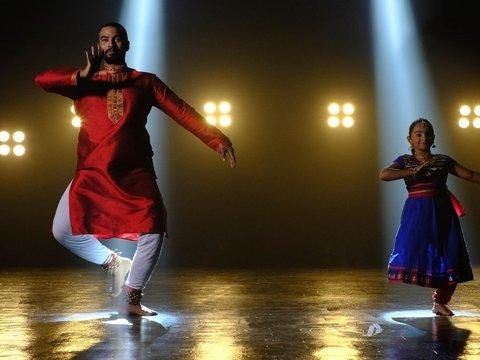 Индия хочет рассказать миру правду — Болливуд снимет фильм о событиях в Кашмире