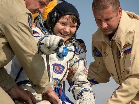 Первое преступление на МКС. Женщина-астронавт шпионила за своей бывшей супругой