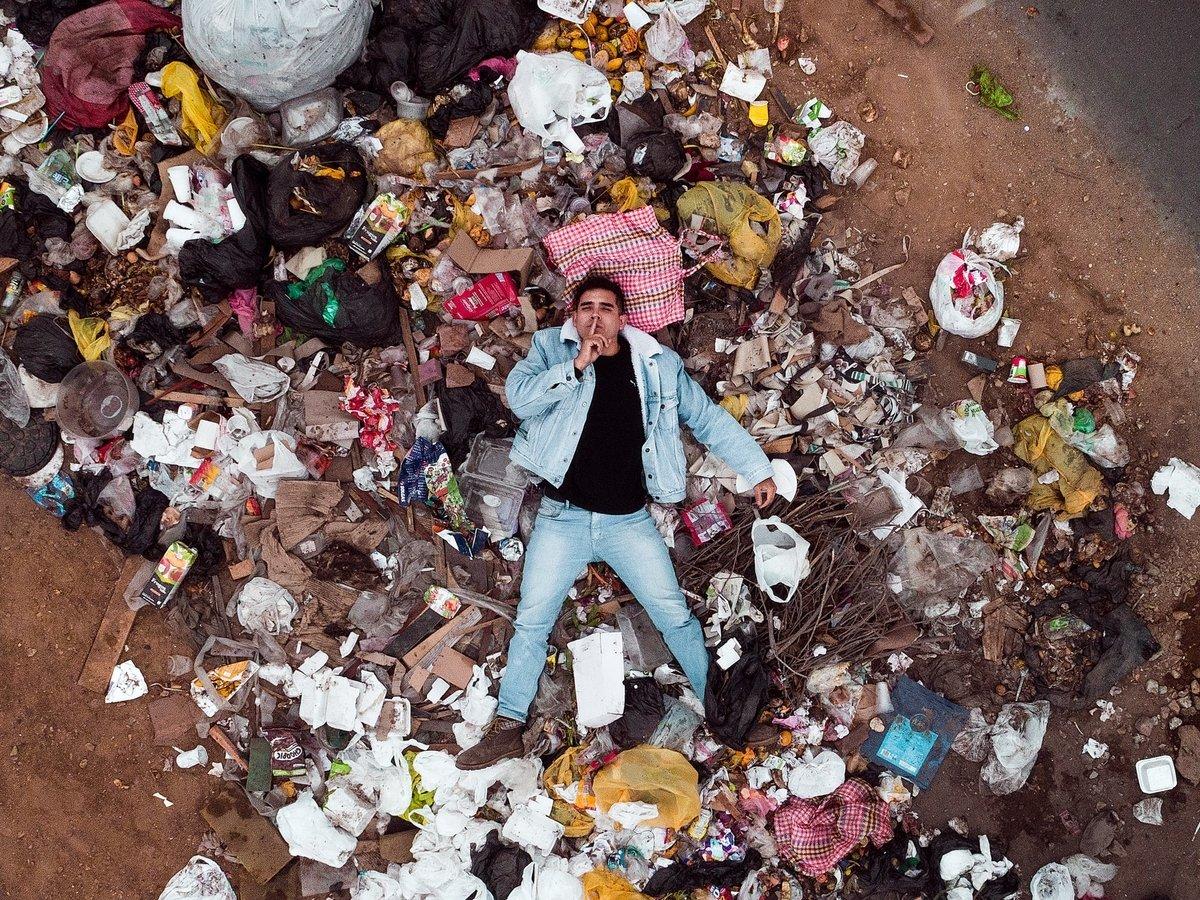 Загрязнение Земли в действии: Каменный и железный века сменил пластиковый