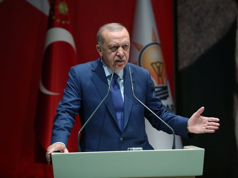 """И всех миллиардов мало: Турция пригрозила """"открыть дверь в Европу"""" для беженцев"""