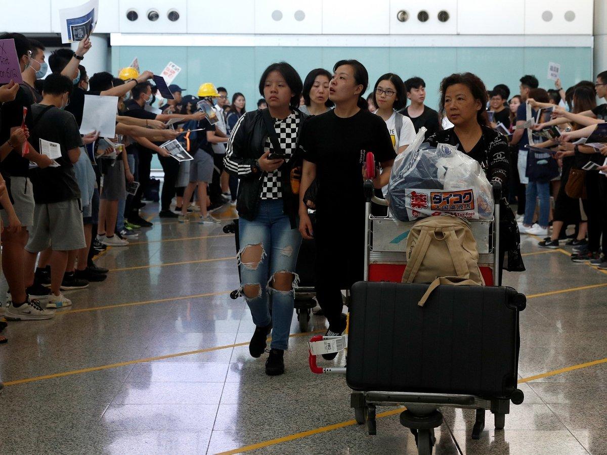 Допротестовались: туристы (и их кошельки) не едут в Гонконг