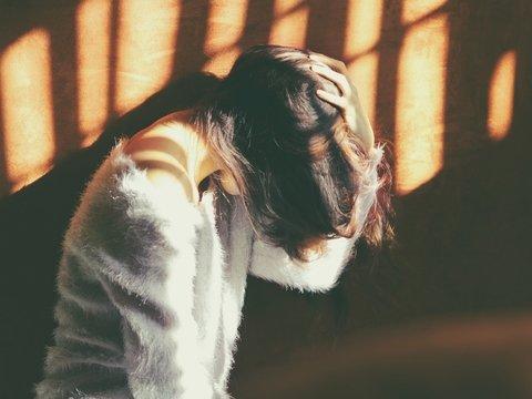 День сурка: из-за травмы головы девушка каждые 2 часа забывает свою жизнь