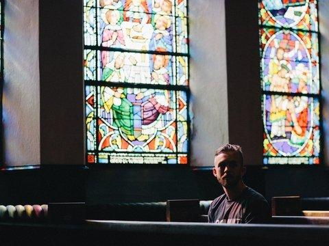 Ночь тиха, ночь свята: в английских церквях разрешили ночевать туристам