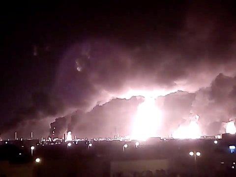 Атака дронов лишила Саудовскую Аравию 5,7 млн баррелей нефти. США винят Иран