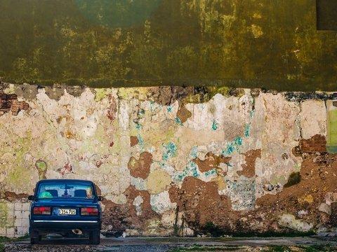 Старая машина? Тогда в Барселоне вам делать нечего — въезд туда будет закрыт