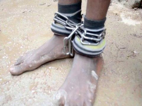 В Нигерии из сексуального рабства освободили 500 мальчиков и мужчин (фото)